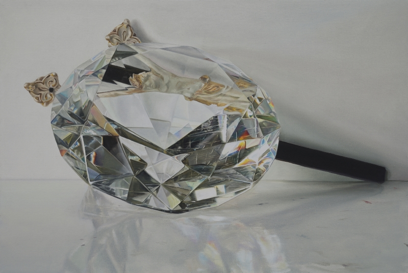 Kruzifix hinter Kristall